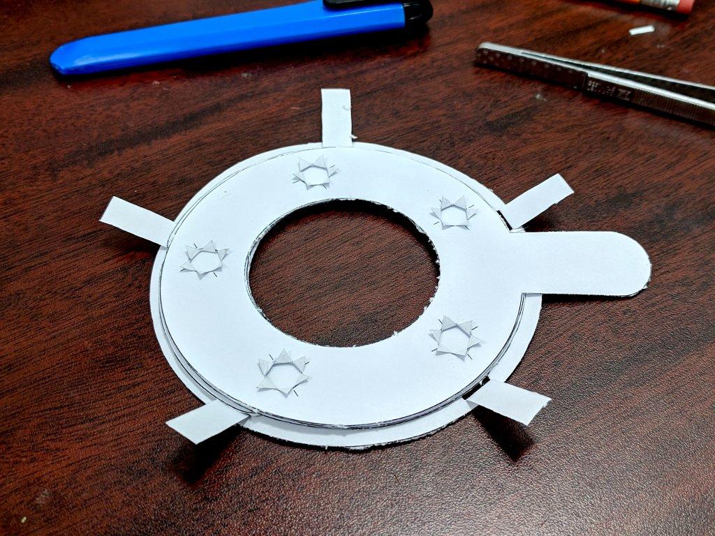 Paper mechanical iris top 1