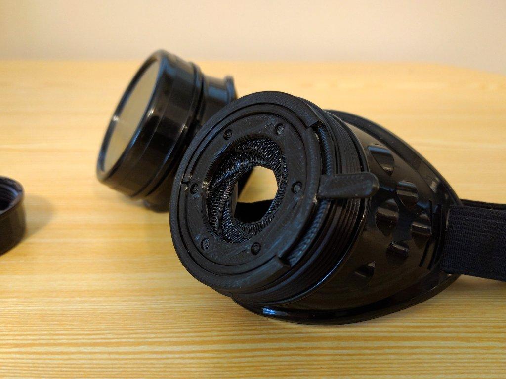 Steampunk iris diaphragm 2