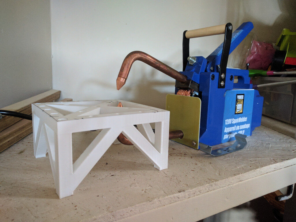 pin-welding table